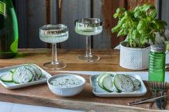 Arrangement de Tableau d'apéritif de concombre photo stock