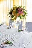 Arrangement floral pour la table de mariage de décoration pour des invités Pièce Images stock