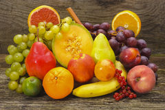 Arrangement of fresh fruits Royalty Free Stock Photos
