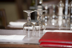 Arrangements de table de restaurant Images libres de droits