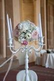 Arrangements floraux pour épouser Image stock