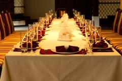 Arrangements formels de table de dîner pour un événement spécial Images stock