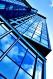 Arranha-céus angular do negócio Imagens de Stock Royalty Free