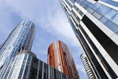 Arranha-céus coloridos em SOHO Sanlitun, Pequim, China Imagens de Stock Royalty Free
