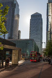 Arranha-céus de Londres Canary Wharf imagens de stock royalty free