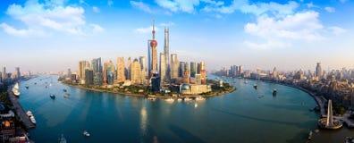 Arranha-céus de Shanghai Lujiazui CBD imagens de stock