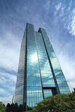 Arranha-céus de vidro moderno Imagens de Stock Royalty Free