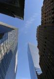 Arranha-céus do de baixo para cima, Manhattan Fotos de Stock Royalty Free