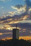 Arranha-céus e nuvens Fotografia de Stock Royalty Free