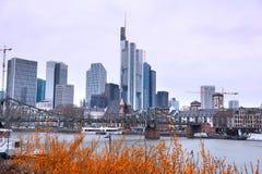 Arranha-céus em Francoforte - am - cano principal, Alemanha imagens de stock royalty free
