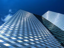 Arranha-céus moderno no distrito financeiro Imagens de Stock Royalty Free