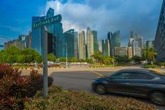 Arranha-céus modernos em Singapura imagens de stock royalty free