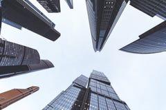 Arranha-céus modernos em um distrito financeiro Construções altas da elevação do centro de negócios Moscou de Moscou - cidade Foto de Stock