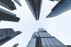 Arranha-céus modernos em um distrito financeiro Construções altas da elevação do centro de negócios Moscou de Moscou - cidade Imagens de Stock