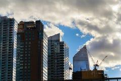 Arranha-céus modernos na cidade Fotografia de Stock Royalty Free