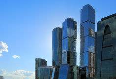Arranha-céus na cidade de Moscovo Fotografia de Stock Royalty Free