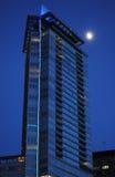 Arranha-céus na noite Foto de Stock Royalty Free