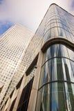 Arranha-céus no cais amarelo, Londres Imagens de Stock Royalty Free
