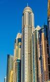 Arranha-céus no distrito de Jumeirah de Dubai, UAE fotografia de stock royalty free