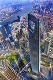 Arranha-céus o Rio Huangpu Shanghai China do centro financeiro de mundo Imagem de Stock