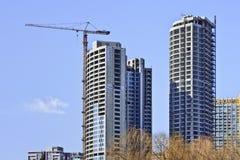 Arranha-céus sob a construção no centro da cidade do Pequim, China Imagens de Stock