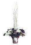 Arranjo das flores artificiais fotos de stock