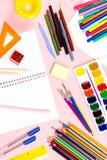 Arranjo das fontes de escola De volta ao conceito da escola, copie o espaço fotografia de stock