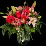 Arranjo de flor do rosa quente Imagem de Stock