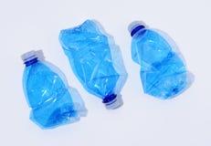 Arranjo de garrafas plásticas fotografia de stock royalty free