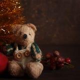 Arranjo do Natal com um urso de peluche Foto de Stock Royalty Free