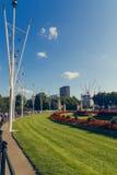 Arranjos florais na frente do Buckingham Palace Imagem de Stock Royalty Free