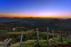 Arratia-Tal in Zeanuri bei Sonnenaufgang Stockbild