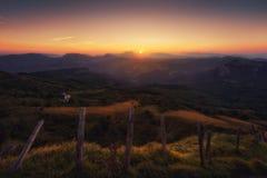 Arratia-Tal in Zeanuri bei Sonnenaufgang Lizenzfreies Stockfoto