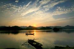 Arrebol da tarde no lago Foto de Stock Royalty Free