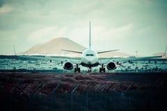 Arrecife, Spanien -22 im März 2015: Passagierflugzeug von Ryanair ist die larges Stockfotografie
