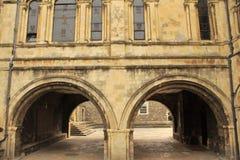 Arredores velhos da catedral de Canterbury das construções britânicos fotografia de stock royalty free