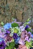 Arreglo azul y púrpura de la boda Imagen de archivo libre de regalías
