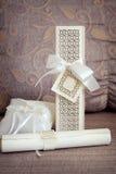 Arreglo de la boda y almohada elogiosa Foto de archivo libre de regalías