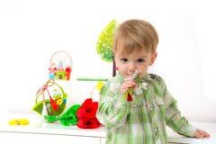 Arreglo de la primavera del niño pequeño Fotos de archivo libres de regalías