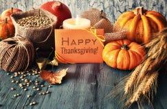 Arreglo del otoño en la madera y el saludo Imagenes de archivo