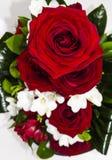 Arreglo floral de la rosa del rojo Imagen de archivo
