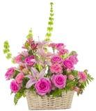 Arreglo rosado de las rosas en blanco Imagenes de archivo