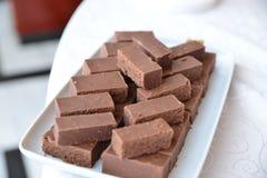 Arreglos de los dulces para la recepción nupcial o los eventos similares Foto de archivo