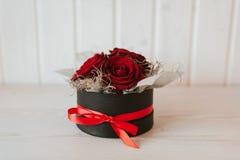 Arreglos hermosos de las rosas Imagen de archivo libre de regalías