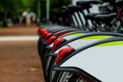 Arrendamentos da bicicleta fotografia de stock royalty free