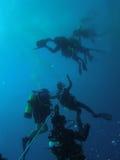 Arresto di sicurezza degli operatori subacquei Immagine Stock Libera da Diritti