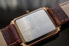Arrière des montres-bracelet du ` s des hommes Photographie stock libre de droits