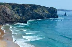 Arrifana strand & x28; Aljezur i Algarve, Portugal& x29; Fotografering för Bildbyråer