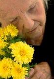 Arrière grand-mère cassé par coeur Image stock