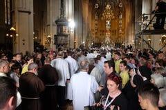 Arrivée du corps de St Leopold Mandic dans la cathédrale de Zagreb Photographie stock
